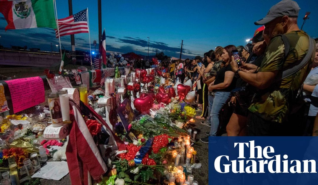 A town of love and peace: El Pasoans support each other in wake of attack