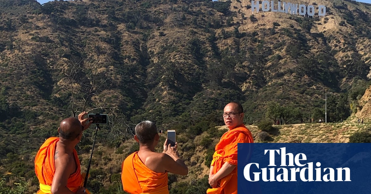 Sign of the times in Hollywood: LA photographer seeks moving pictures