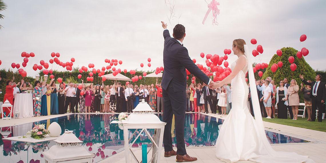 The Best Ways Millennials Are Changing Weddings, According To The Knot | Betches